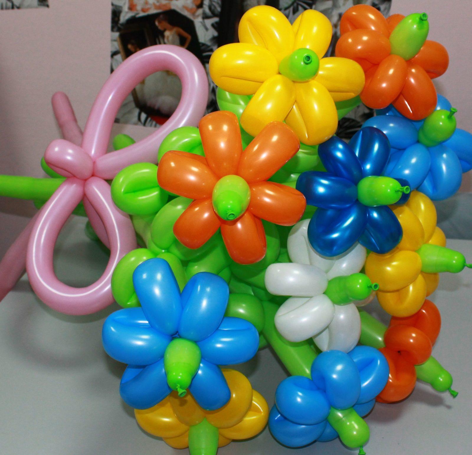 Как сделать из обычных шариков цветок