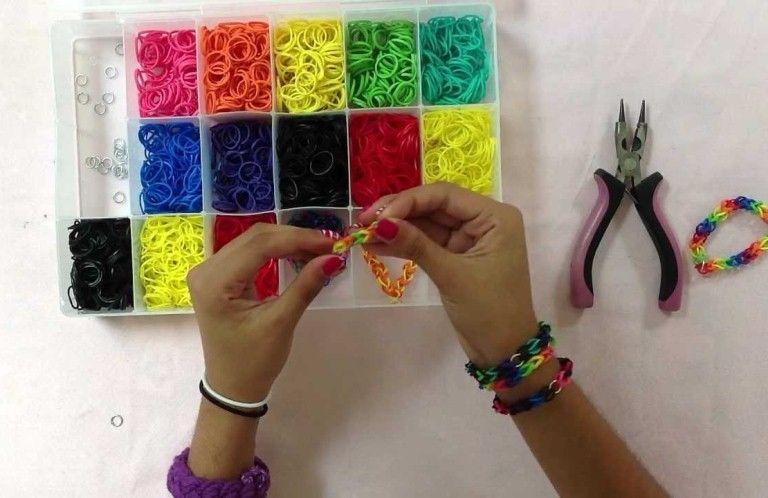 Как научится плести браслеты с резиночек