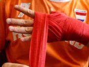 Намотка руки бинтами
