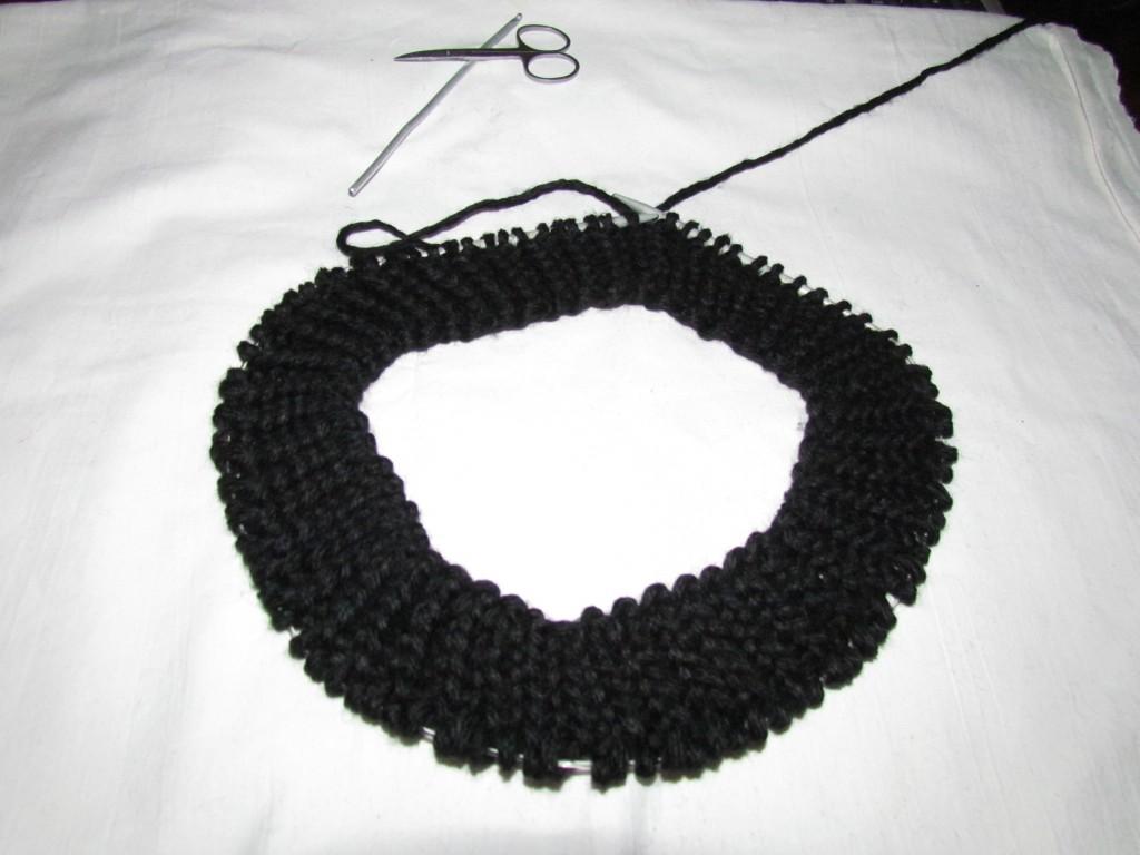 Вяжем шарф-хомут спицами 11