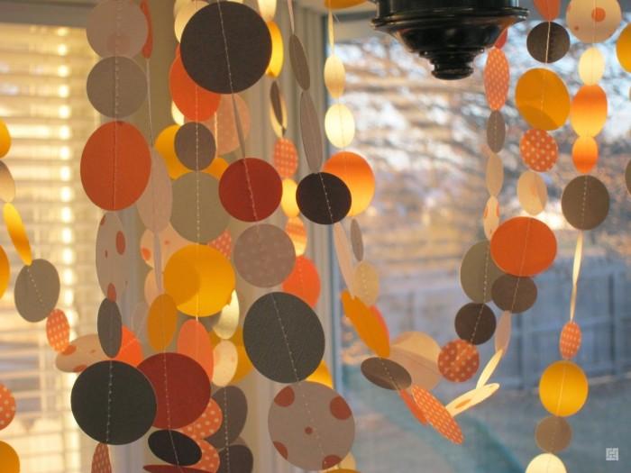 Бумажные гирлянды на окна