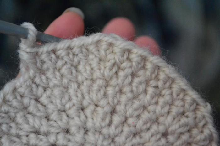 Вяжем шапку крючком шаг 9