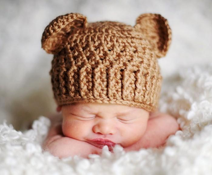 Милая шапочка для новорожденных