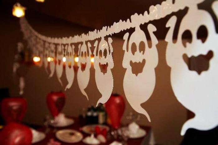 Гирлянды своими руками из бумаги на Новый год - Гирлянды из шаров - Видео уроки
