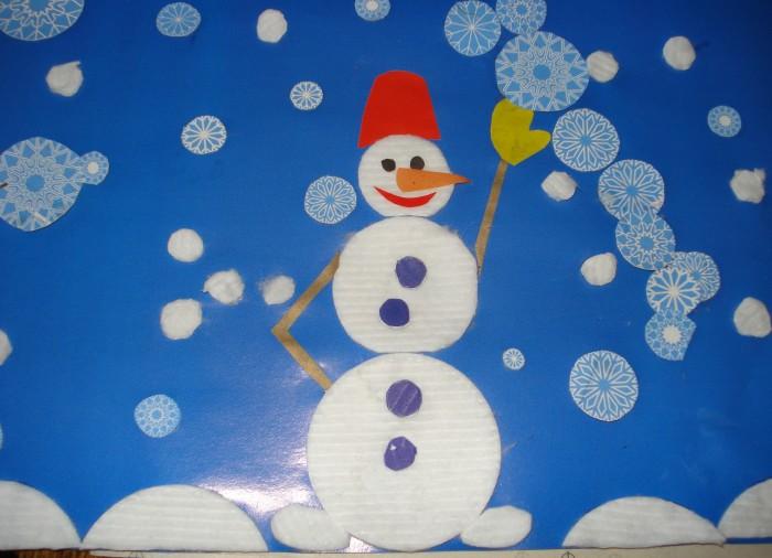 Мастерим снеговика из ватных дисков