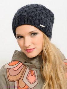 Зимняя вязаная шапка бини