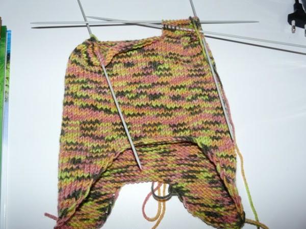 Вязание шапочки спицами для детей от 1 до 2 лет: фото 10