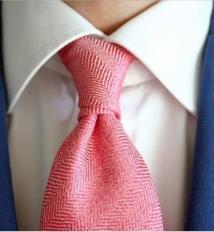 Как повязать галстук четвертным узлом