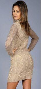 Вяжем платье с узором коса-спинка