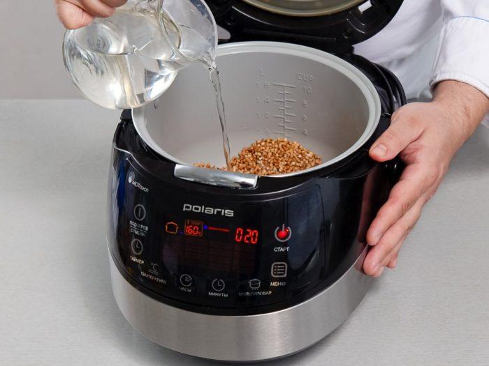 Как сварить гречку в мультиварке: заливаем водой