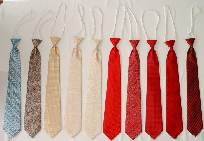 Повязываем галстук на резинке