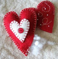 Как сделать валентинку из фетра шаг 3