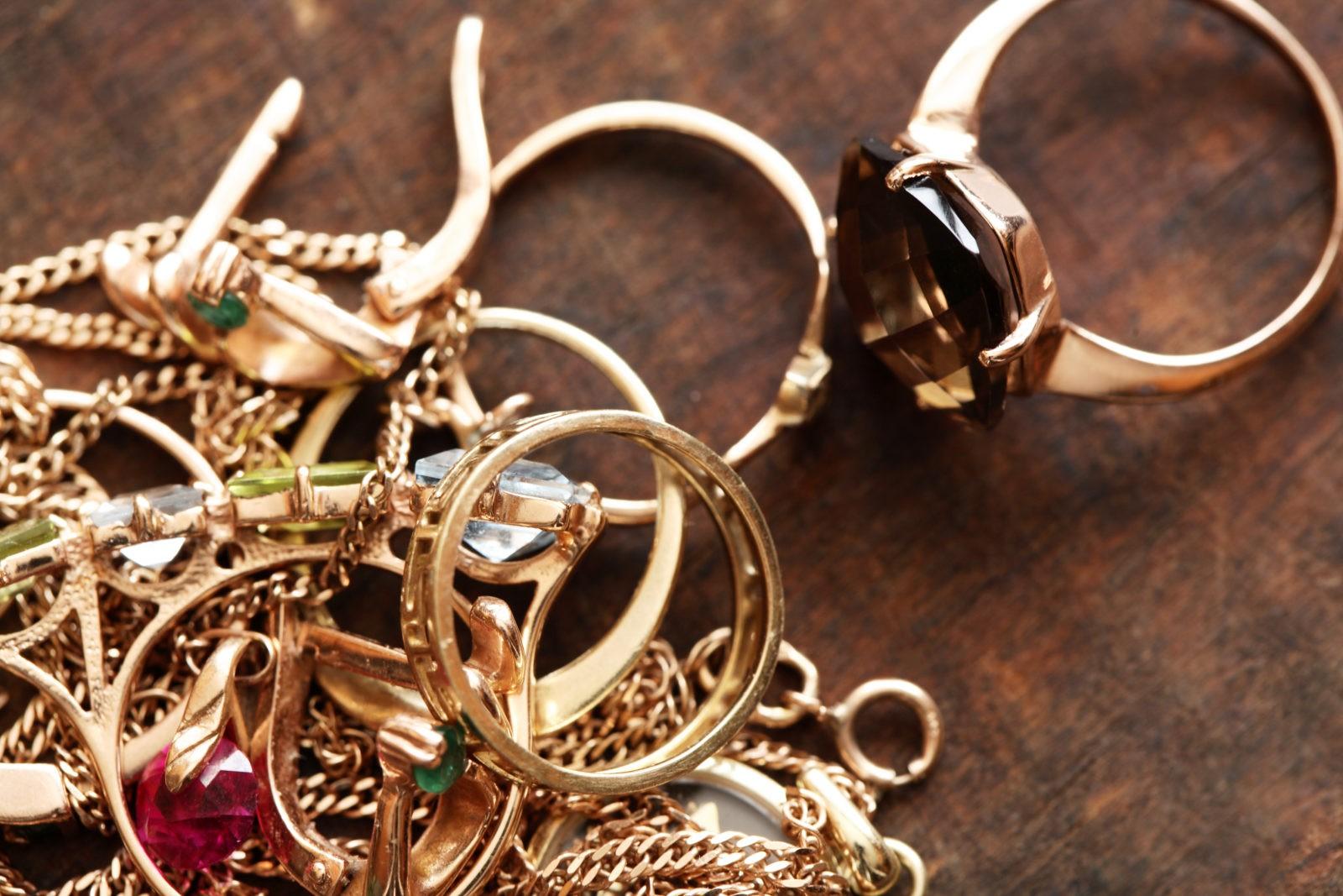 Как почистить золото, золотую цепочку или кольцо в домашних .