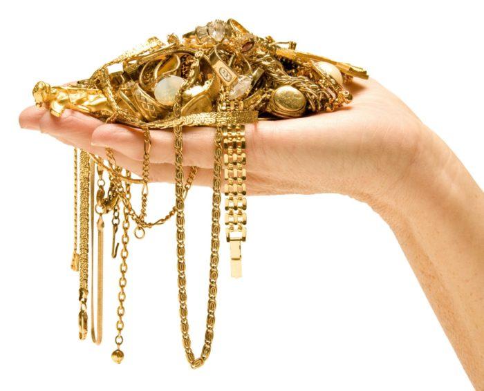 Как почистить золотые украшения до блеска
