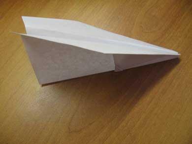 Как сделать самолетик из бумаги?