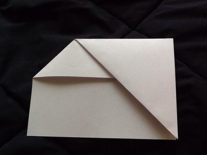 Как сделать из бумаги когти рыси: этап 3