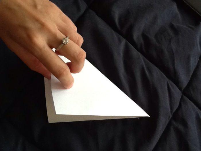Как сделать из бумаги когти рыси: этап 5