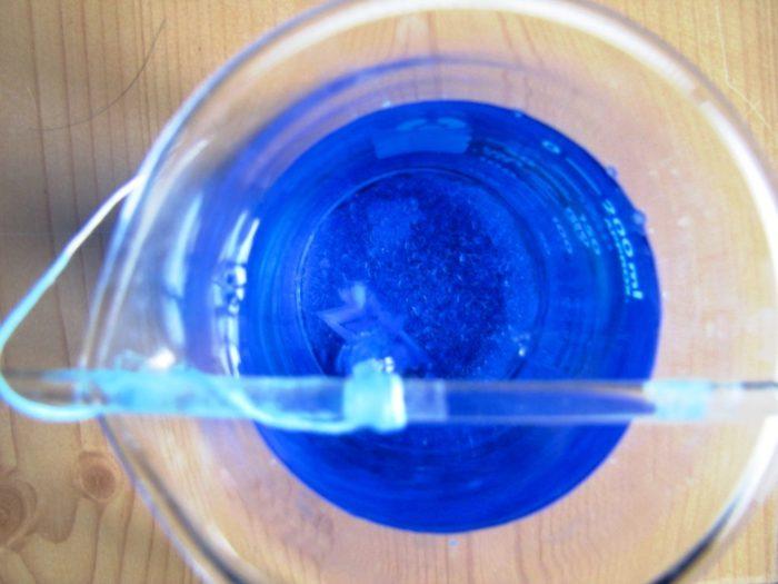 Как вырастить кристалл из медного купороса: фото 8