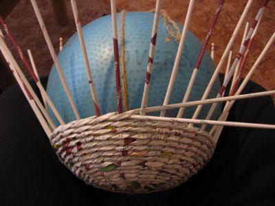 Как сделать шар из газет: мастер-класс 9