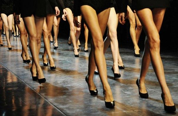 Как научиться ходить на каблуках как модель