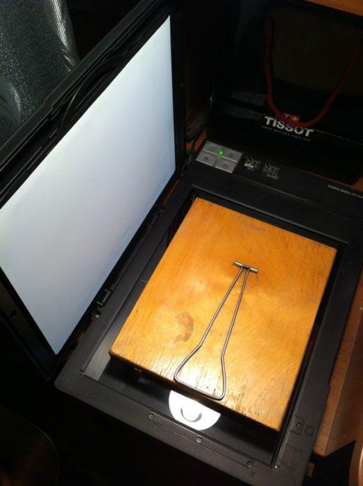 Как отсканировать зеркало с открытой крышкой принтера