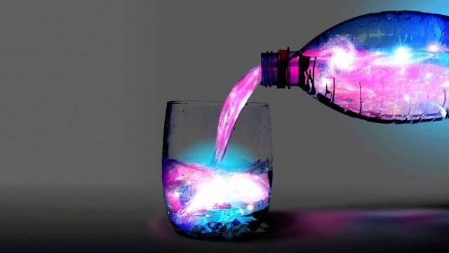 Как сделать светящуюся воду своими руками?