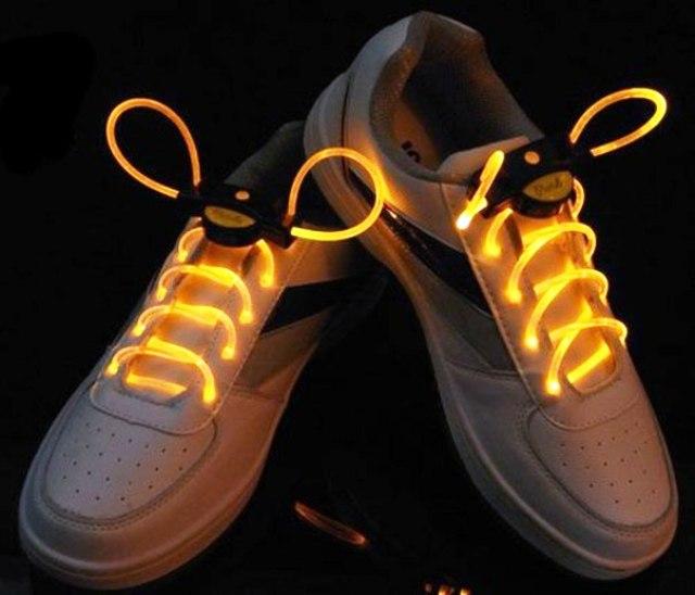 Как сделать светящиеся шнурки своими руками?