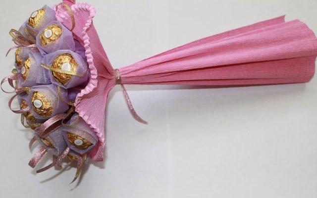 Букеты из конфет своими руками: украшение букета