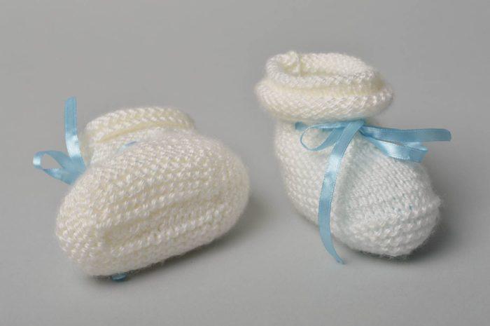 Вязание пинеток для новорожденных: носочки крючком