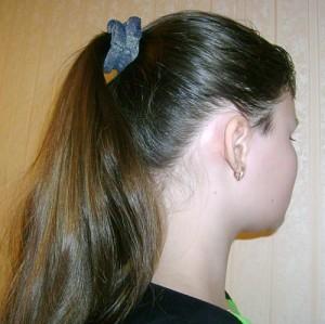 Круговая косичка для девочки: шаг 1