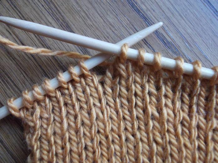 Как вязать носки спицами: пошаговый мастер класс 10