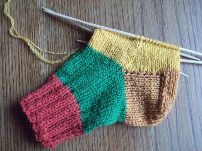 Как вязать носки спицами: пошаговый мастер класс 16