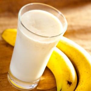 Как сделать мороженое из молока и банана?