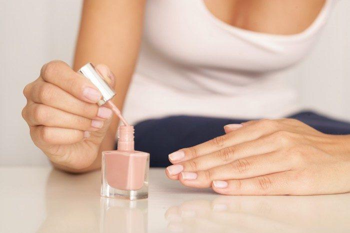 Как высушить лак на ногтях в домашних условиях ?