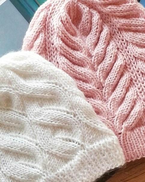 Вязанные шапки спицами для женщин за 50: 2 варианта узора