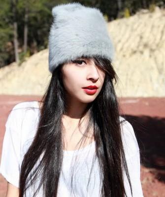 Вязание шапок спицами для женщин: модель 2017 - ангора