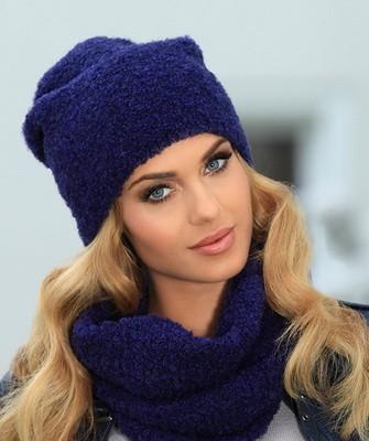 Вязание шапок спицами для женщин: модель 2017 - синяя