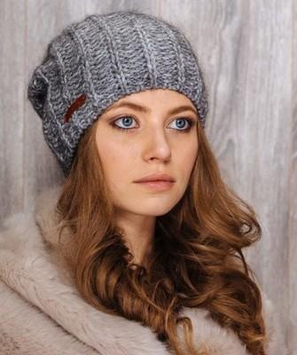 Вязание шапок спицами для женщин: модель 2017- английская резинка