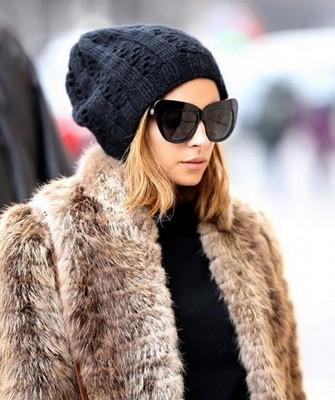 Вязание шапок спицами для женщин: модель 2017 - бини