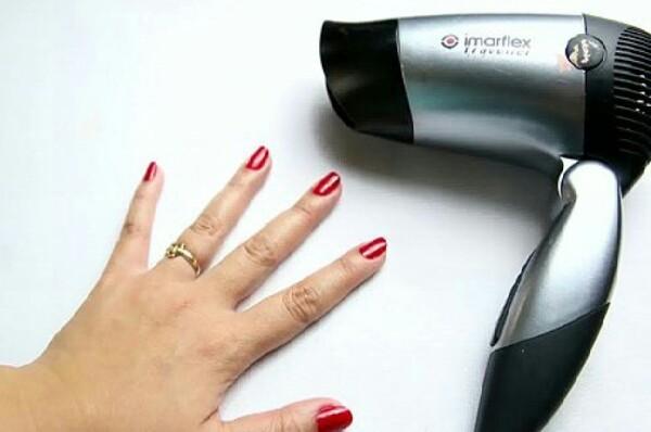 Как высушить лак для ногтей феном?