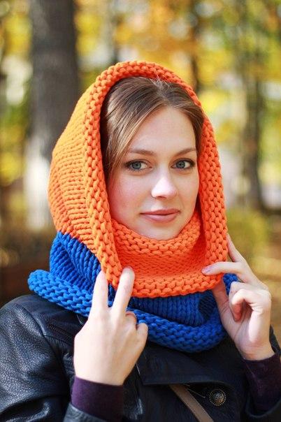 Как связать двухцветный шарф-снуд спицами?