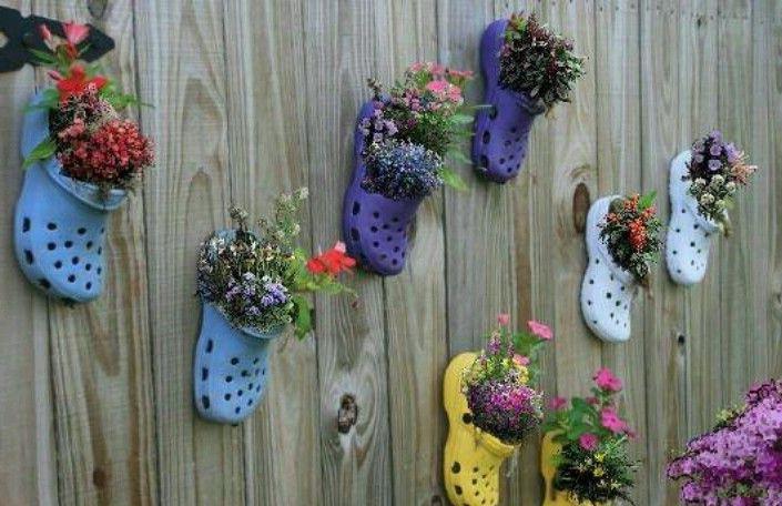 Дизайн сада и огорода своими руками: кашпо из кроксов