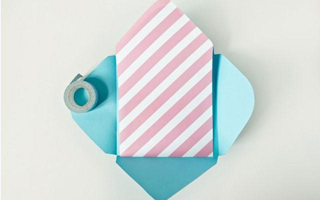 Как сделать конверт из бумаги: шаг 4