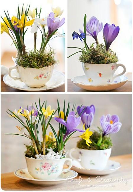 Подарок бабушке своими руками: цветы в чашке