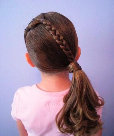 Прически на длинные волосы для девочек: коса с хвостом