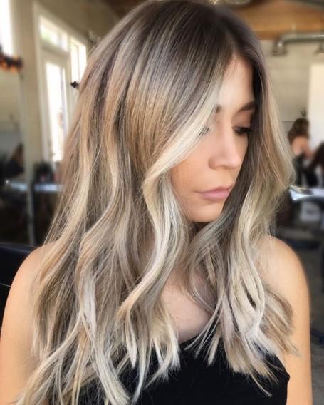 Модное окрашивание волос в 2017 году: белый металлик