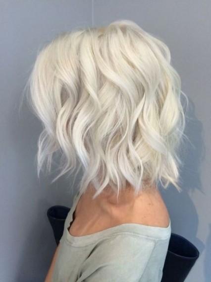 Окрашивание волос в 2017 году на короткие волосы: светлый блонд