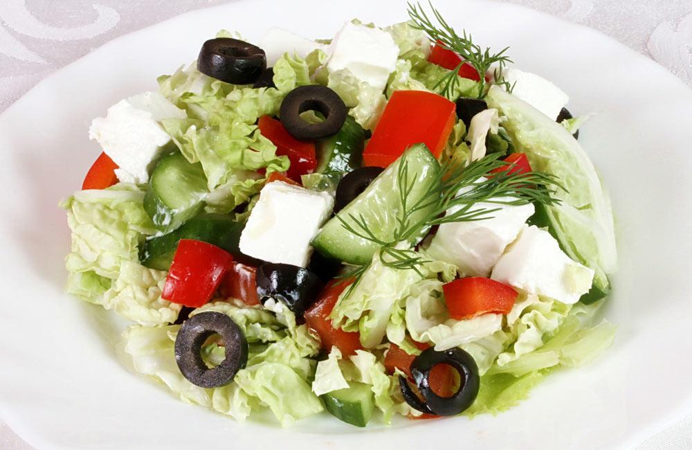 Салат из свежей капусты: очень вкусный греческий