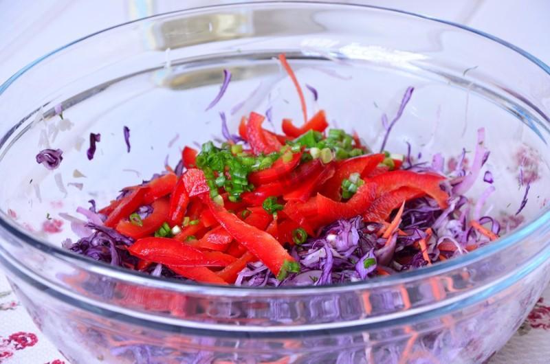 Салат из свежей капусты: с краснокачанной витаминный
