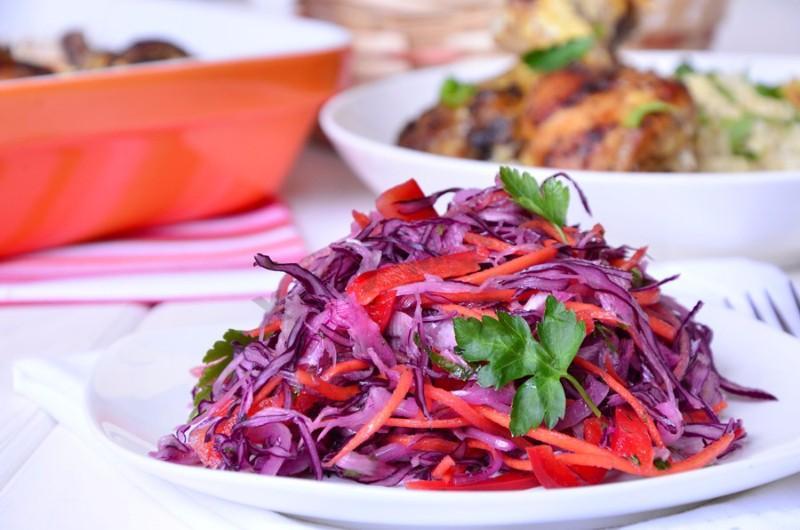 Салат из свежей капусты: очень вкусный витаминный